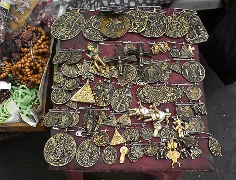 a078e3a481d67cd8c0615fb36686e0c0--milagros-charms-talisman
